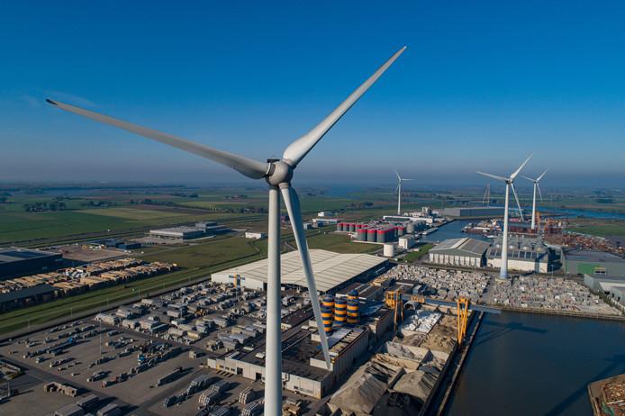 Kampen wil windmolens alleen toestaan bij de N50 en het industrieterrein, zoals hier bij Haatlandhaven. Ze komen niet in open landschappen.