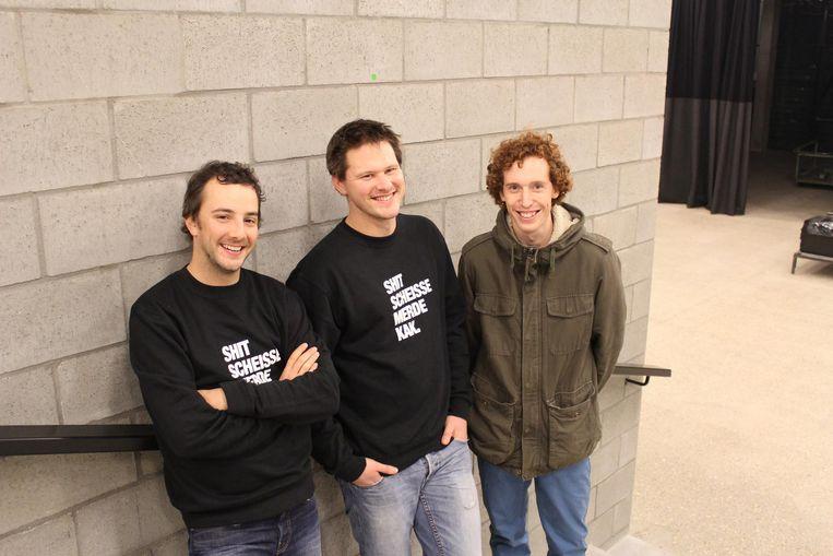De ludieke actie van de Lokerse vriendengroep is een ode aan hun vriend Thomas Vervaet (links).