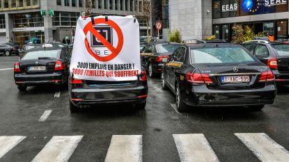 Taxichauffeurs dagen Uber-chauffeurs voor rechter