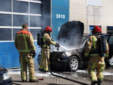 BMW in brand gevlogen op Ekkersrijt in Son