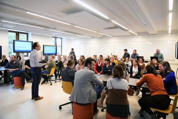 Een 'collaboratieve leerruimte' met de meest moderne technologieën biedt veel mogelijkheden op de eerste verdieping.