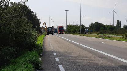 Voetganger (29) op R4 aangereden door vrachtwagen en overleden