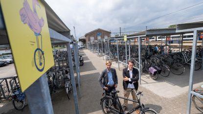 Stad Lier lanceert 'verdwaalpalen' voor fietsen aan station