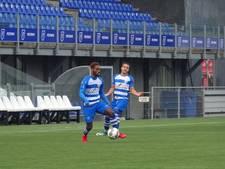 Beloften PEC Zwolle oefenen tegen DVS'33