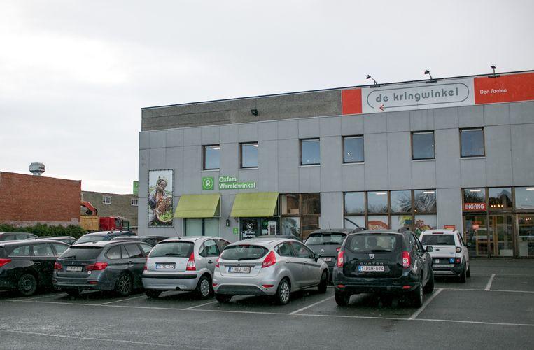 De Kringwinkel van Den Azalee in de Heistraat in Sint-Niklaas.