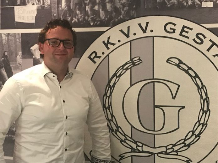 Thomas de Ridder (33) uit Etten- Leur is de nieuwe hoofdtrainer van voetbalvereniging RKVV Gesta.