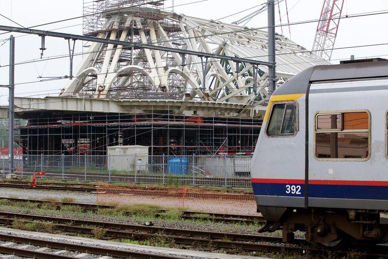 De 46-jarige vrouw werd gisteren dood aangetroffen in een trein in het station van Bergen.