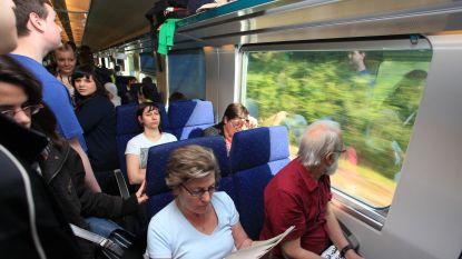 Vijftien illegale transmigranten opgepakt bij eerste politieactie op treinen