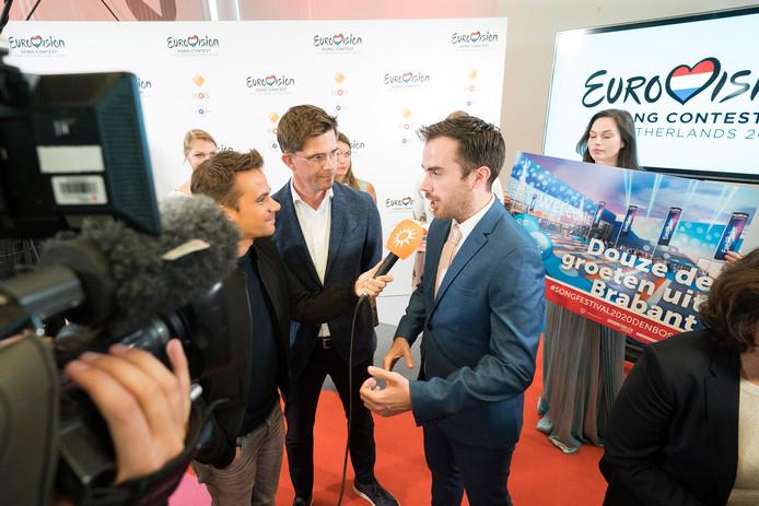 Hilversum 10-07-2019Den Bosch biedt het bidbook om het Songfestival naar de stad te halen aan bij de NPO in Hilversum. Mike van der GeldFoto: Roy Lazet