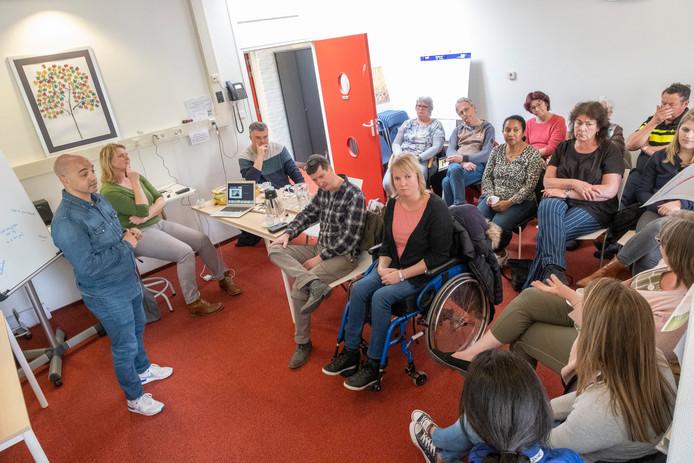 De informatiebijeenkomst over de wijkcirkel bij Brugzicht in Zierikzee