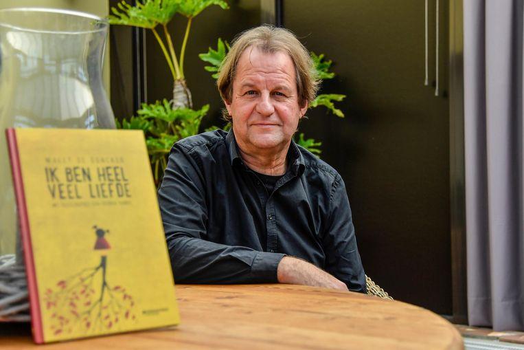 Auteur Wally De Doncker stelt zijn nieuwste boek 'Ik ben heel veel liefde' voor.