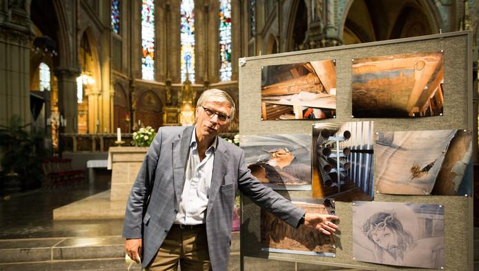 SKED-voorzitter Wim van Leeuwen in de Maria van Jessekerk.