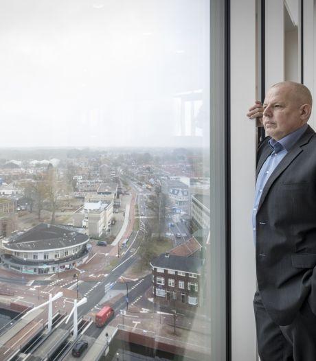 Almelo niet blij met 2,3 miljoen coronasteun uit Den Haag; 'Strop voor gemeente is veel groter'