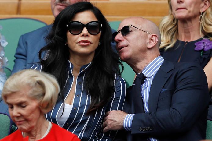 Jeff Bezos et sa nouvelle compagne ont assisté à la finale de Wimbledon depuis la loge royale.