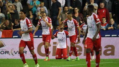 Herbeleef hoe Kortrijk en Moeskroen de punten delen na een aangename derby (1-1)