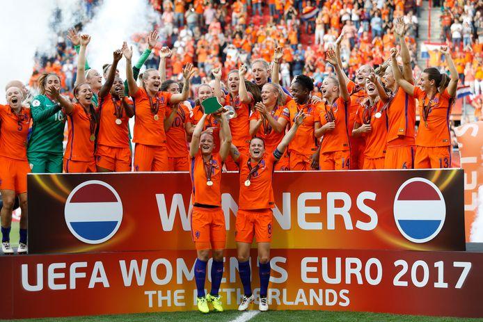 Nederland viert feest na het winnen van de EK-finale van 2017.
