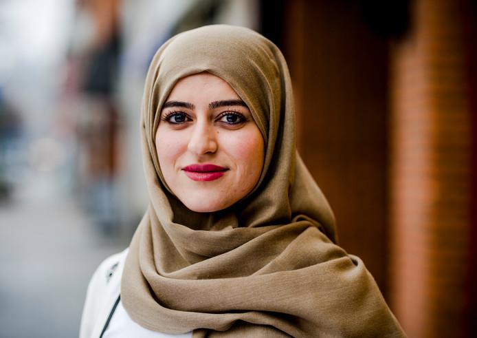 Sarah Izat stapte naar het College voor de Rechten van de Mens.