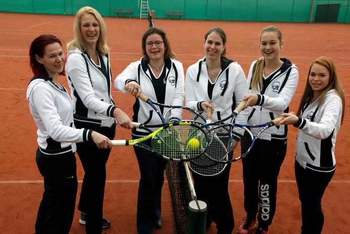 Dames tennisteam 1e klas VLNR Rebecca Matthijs, Petra Kanselaar, Renee van Sabben, Irene Knegtel, Demi Engelaar en Tamara Eggermont.
