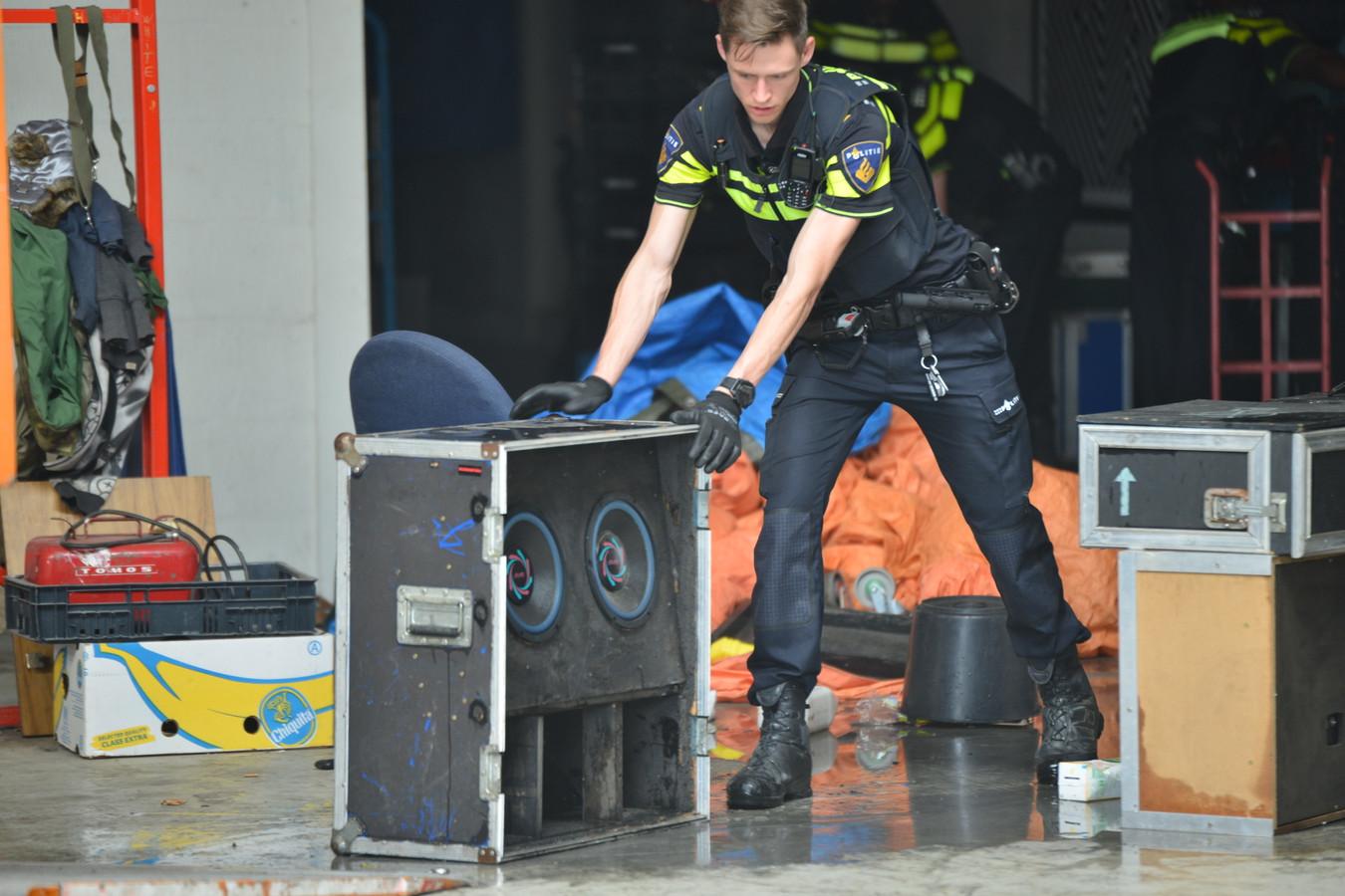 Politie neemt stereo's in beslag