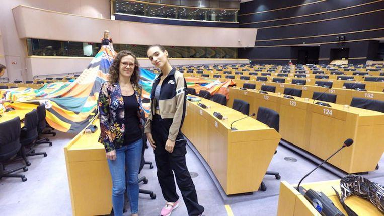 Europarlementariër Sophie in 't Veld (links) en model Maxim Magnus Beeld D66