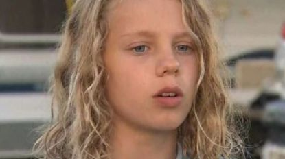 Gered met snorkel: Australische jongen (11) bedolven onder meter zand terwijl hij put graaft op strand