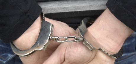 Enschedeër aangehouden na overval op kringloopwinkel in Almelo