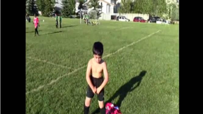 Vijfjarige imiteert Balotelli