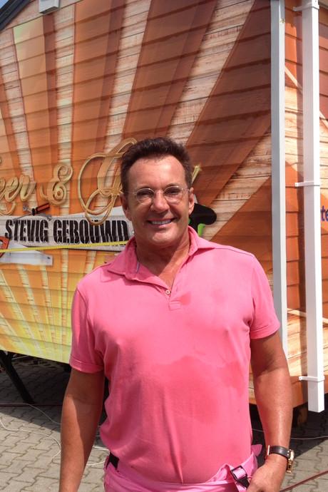 Gerard Joling valt op vakantieadres vijf kilo af