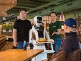CORONABULLETIN #77: een coronaproof serveerrobot en 2,4 miljoen mondkapjes uit Cuijk