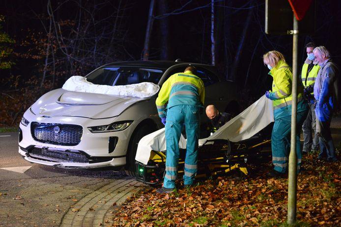 Bij een aanrijding op de kruising van de Schuilenburg met de Moerdijkse Postbaan in Etten-Leur is een scooterrijder gewond geraakt.