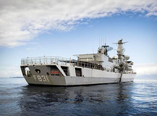 Het marineschip.