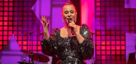 Trijntje Oosterhuis neemt duet op met internationale artiest