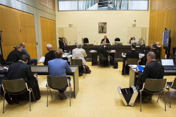 De zitting bij de kortgedingrechter in Arnhem.