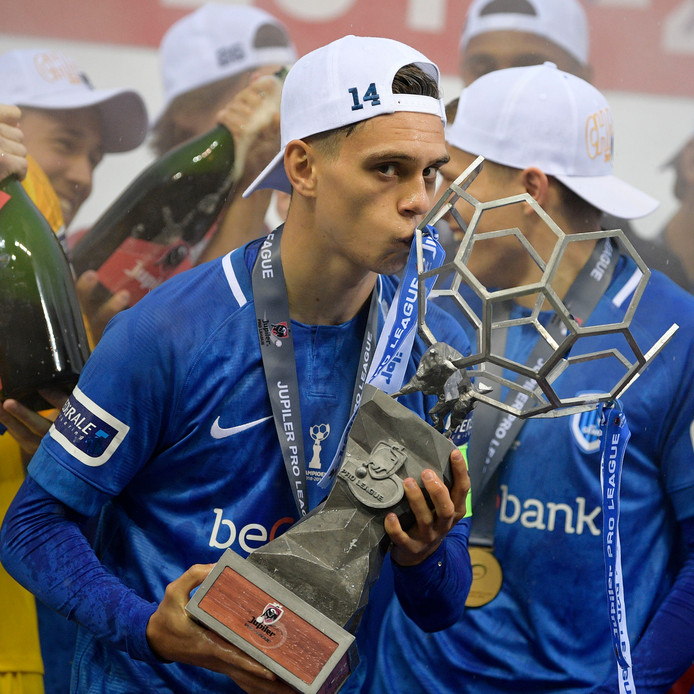 Leandro Trossard werd afgelopen seizoen kampioen van België met Racing Genk.
