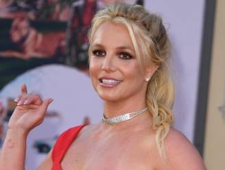 Fans ongerust om onverzorgde Britney Spears in bikini