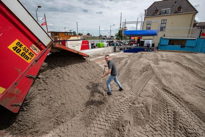 Fonkelnieuw Tóch weer stadsstrand in Kampen dankzij deal met gemeente: geen BN-27