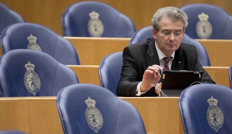 Tweede Kamerlid  Roelof Bisschop (SGP ) in de Tweede Kamer.  Beeld ANP - Jerry Lampen