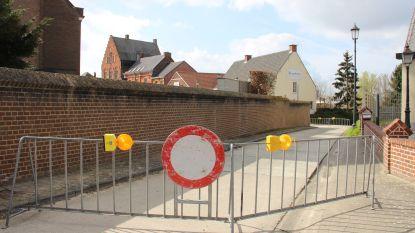 """N-VA/CD&V vraagt 'knip' in Horebeke: """"Sluit stukje weg tussen Rokegem en Dorpsstraat af voor gemotoriseerd verkeer"""""""