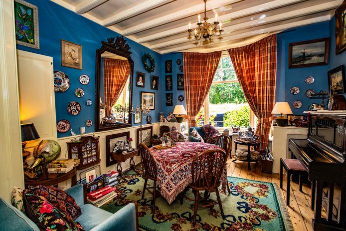 De woonkamer van Huize De Worp.