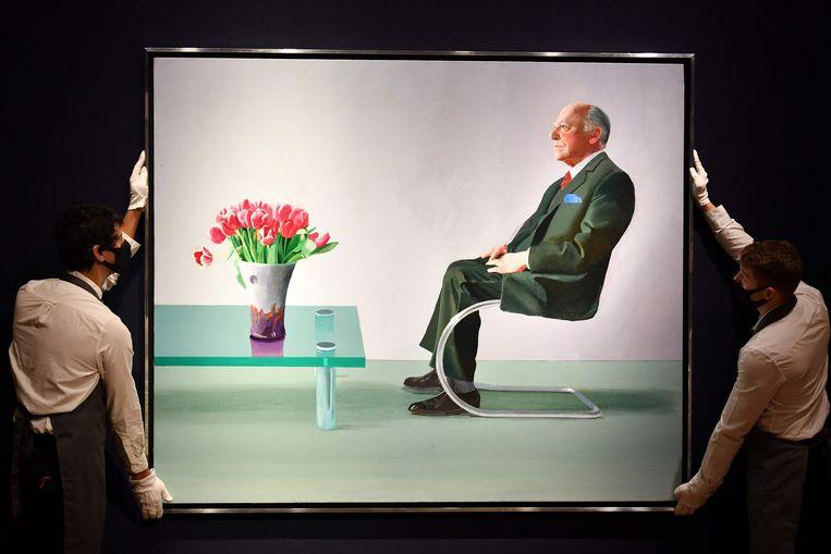 Een portret van Sir David Webster, geschilderd door David Hockney, werd geveild.  Beeld AFP