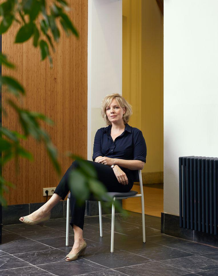 Beatrice de Graaf: 'Ik werd socialer door te kijken hoe anderen zich gedragen.' Beeld Bianca Pilet