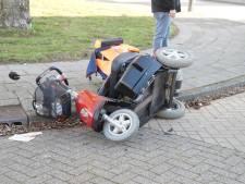 Man op scootmobiel aangereden door auto in Drunen
