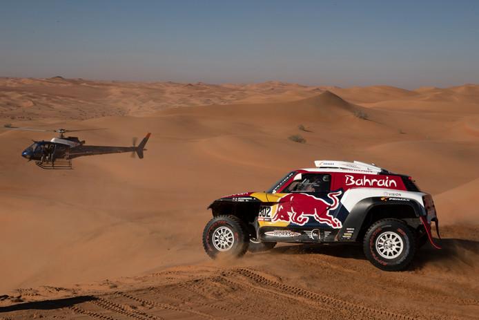 Stéphane Peterhansel maakt nog altijd kans op zijn veertiende eindzege in de Dakar Rally.