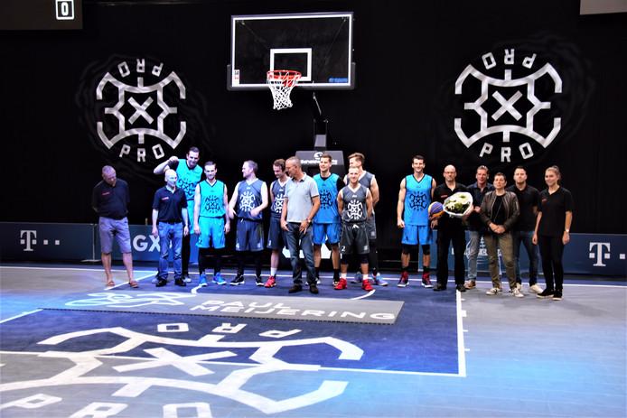 Het bedrijf Paul Meijering uit Zaltbommel heeft een vloer voor 3x3 basketbal aangeboden gekregen. Dit gebeurde na afloop van het Pro League 3x3 basketbaltoernooi, dat onlangs in de bedrijfshal werd gehouden.