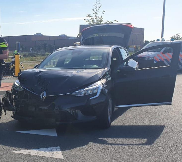 Een automobilist veroorzaakte een ongeval op de A348  bij Ellecom en reed door. De man werd later aangehouden in Duiven en was onder invloed.