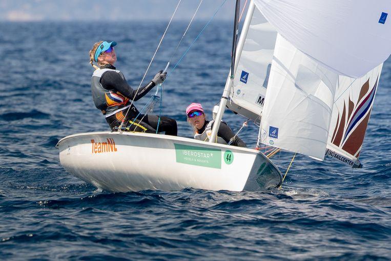 Mandy Mulder en Anneloes van Veen willen met hun boot naar de spelen van Tokio. Beeld Thom Touw Photography