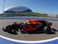 Motorprobleem en vijfde plek voor Verstappen in tweede training