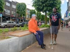 Geleidestroken Zeist zijn gevaarlijk voor blinden: 'Architect heeft totaal verkeerde keuzes gemaakt'