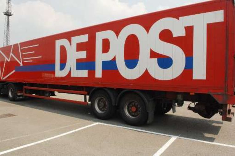 De Post betaalde vorig jaar net als in 2006 8,5 miljoen euro minder belastingen.