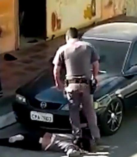 La vidéo d'un policier piétinant le cou d'une femme noire provoque l'indignation au Brésil